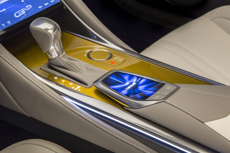 https://s2.paultan.org/image/2014/11/2014_LA_Auto_Show_Lexus_LF_C2_Concept_035.jpg