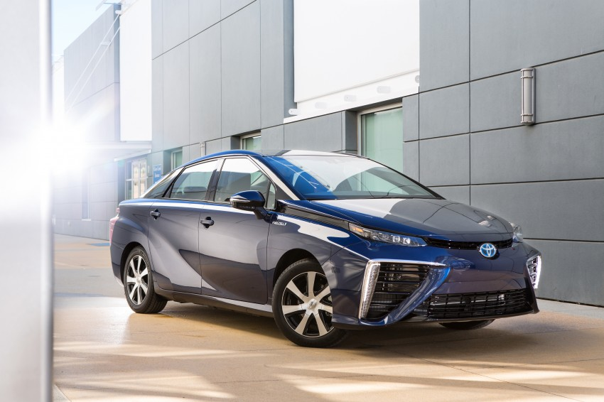 Toyota Mirai fuel cell vehicle officially revealed; touts a range of 483 km, available in second quarter of 2015 Image #288836