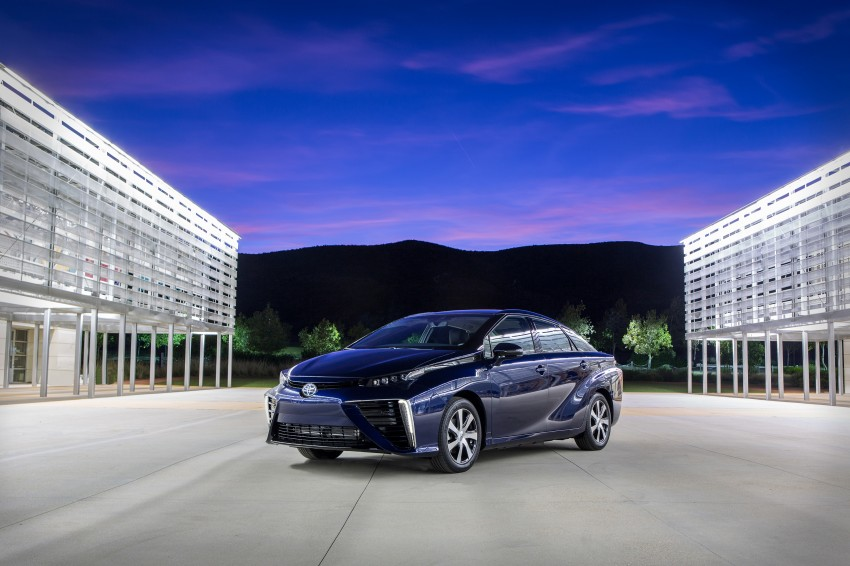 Toyota Mirai fuel cell vehicle officially revealed; touts a range of 483 km, available in second quarter of 2015 Image #288832