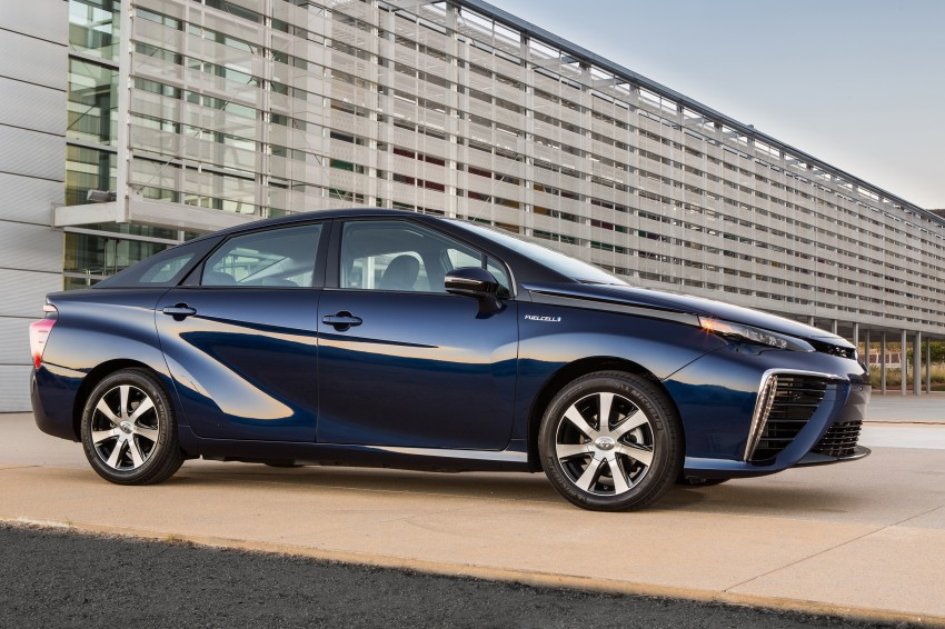 Toyota Mirai fuel cell vehicle officially revealed; touts a range of 483 km, available in second quarter of 2015 Image #288829