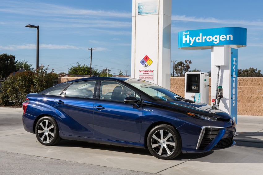 Toyota Mirai fuel cell vehicle officially revealed; touts a range of 483 km, available in second quarter of 2015 Image #288821