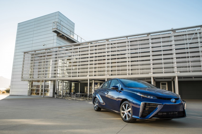Toyota Mirai fuel cell vehicle officially revealed; touts a range of 483 km, available in second quarter of 2015 Image #288817