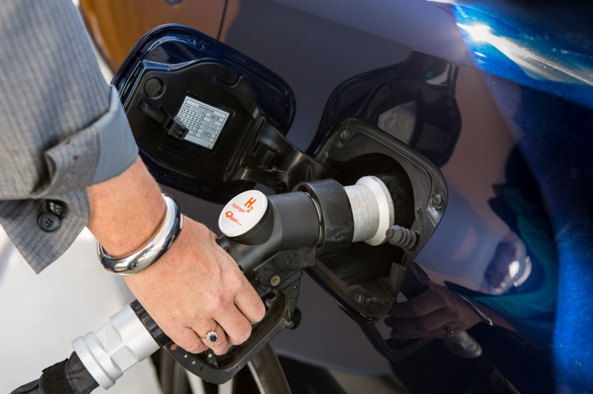 Toyota Mirai fuel cell vehicle officially revealed; touts a range of 483 km, available in second quarter of 2015 Image #288818