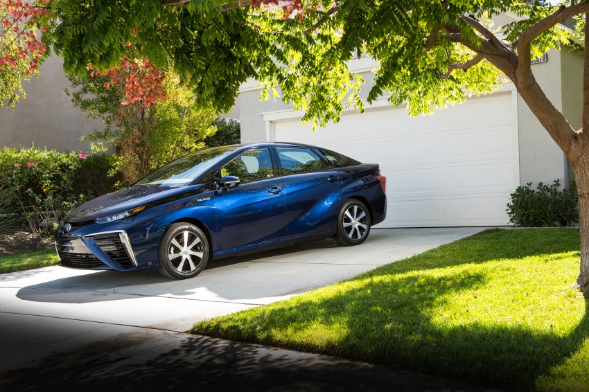 Toyota Mirai fuel cell vehicle officially revealed; touts a range of 483 km, available in second quarter of 2015 Image #288813