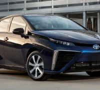 2016_Toyota_Fuel_Cell_Vehicle_029