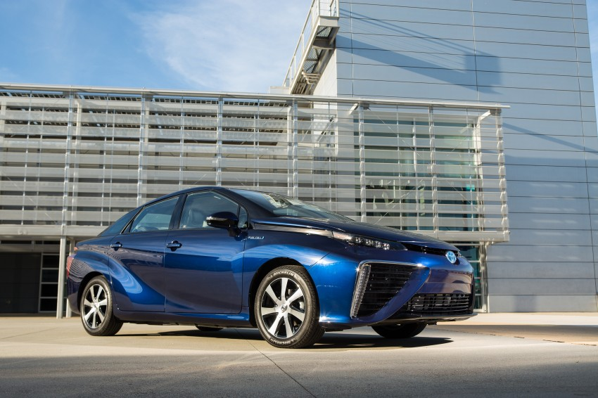 Toyota Mirai fuel cell vehicle officially revealed; touts a range of 483 km, available in second quarter of 2015 Image #288804