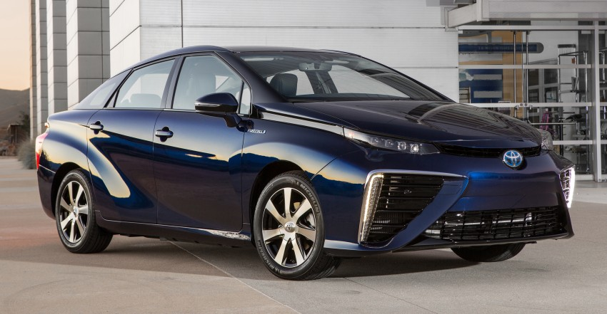 Toyota Mirai fuel cell vehicle officially revealed; touts a range of 483 km, available in second quarter of 2015 Image #288803