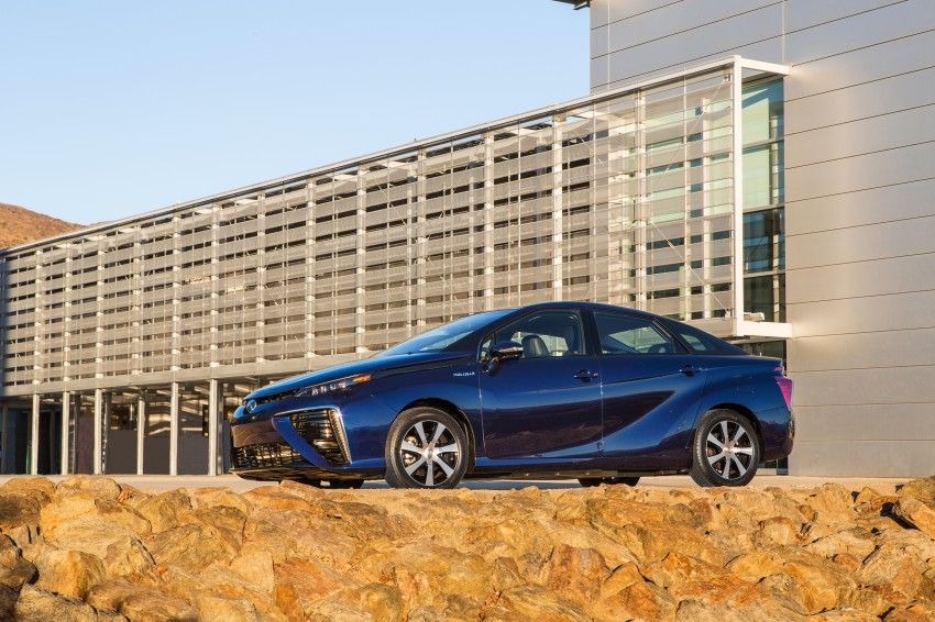 Toyota Mirai fuel cell vehicle officially revealed; touts a range of 483 km, available in second quarter of 2015 Image #288801