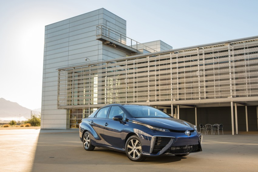 Toyota Mirai fuel cell vehicle officially revealed; touts a range of 483 km, available in second quarter of 2015 Image #288796