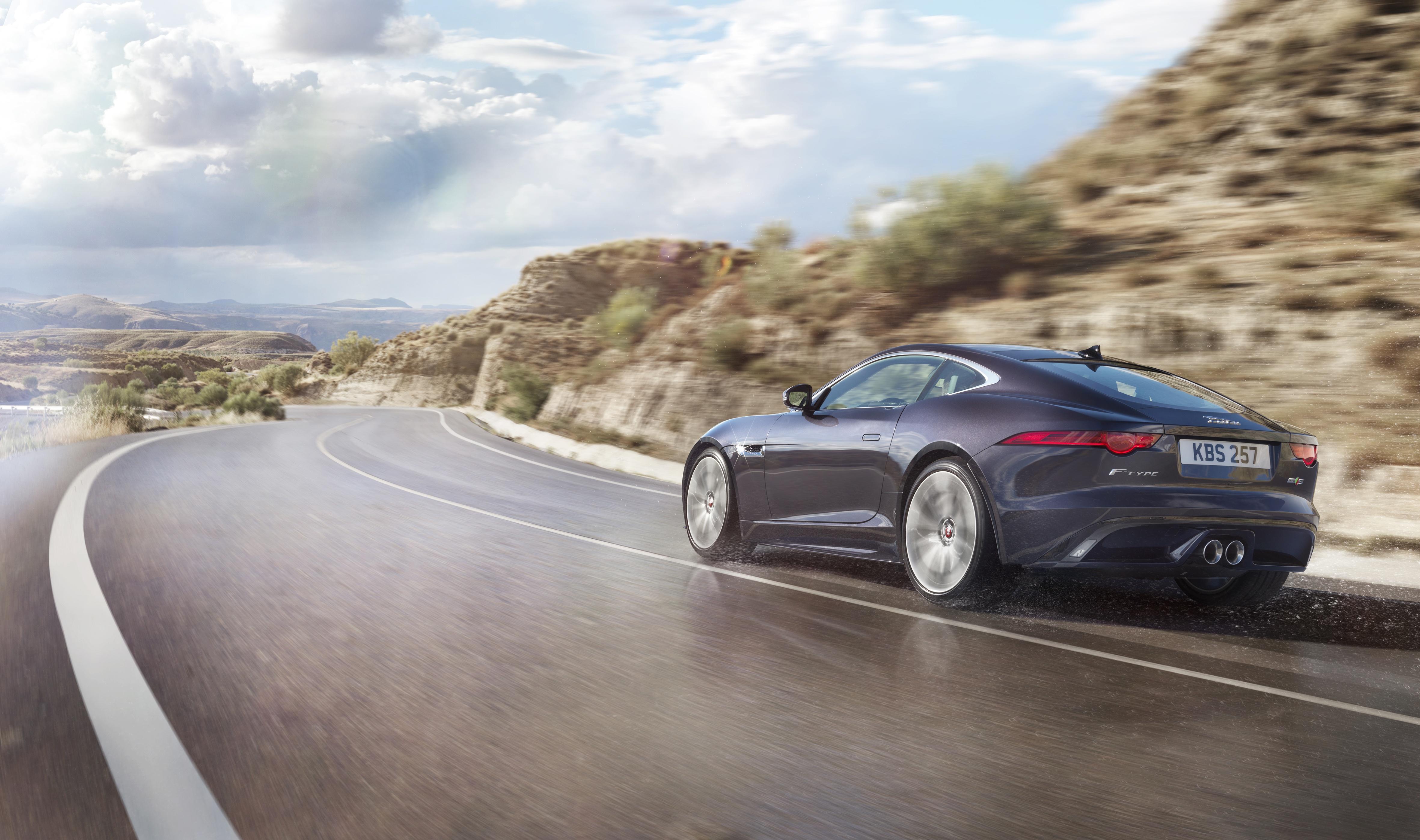 jaguar f type gets manual option 542 hp r cabrio image 292040. Black Bedroom Furniture Sets. Home Design Ideas