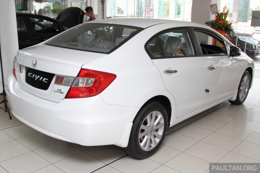 GALLERY: 2014 Honda Civic 1.8S facelift in showroom Image #288273