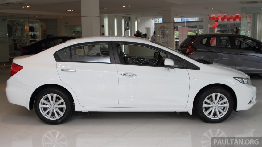 GALLERY: 2014 Honda Civic 1.8S facelift in showroom Image #288275