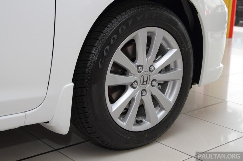 GALLERY: 2014 Honda Civic 1.8S facelift in showroom Image #288281