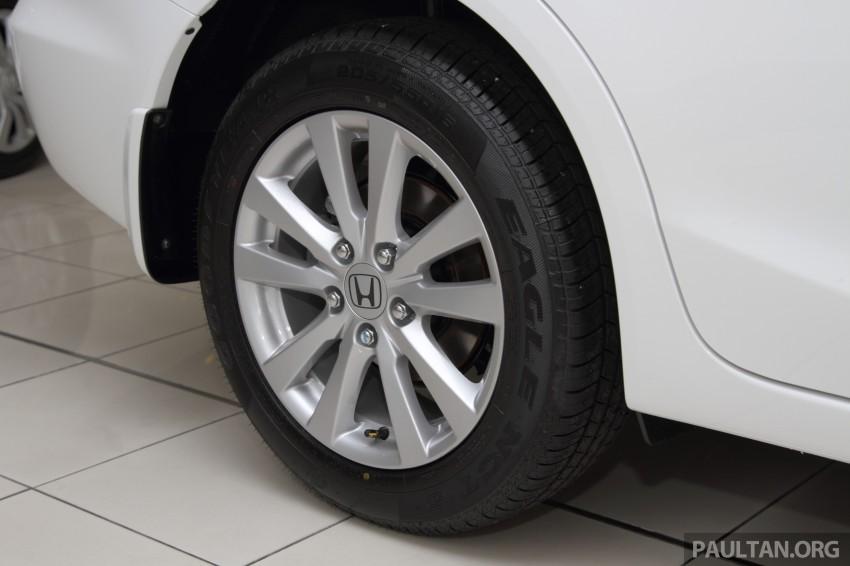 GALLERY: 2014 Honda Civic 1.8S facelift in showroom Image #288282