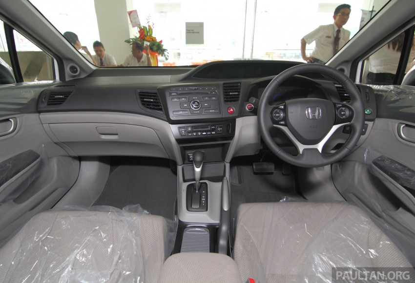 GALLERY: 2014 Honda Civic 1.8S facelift in showroom Image #288294