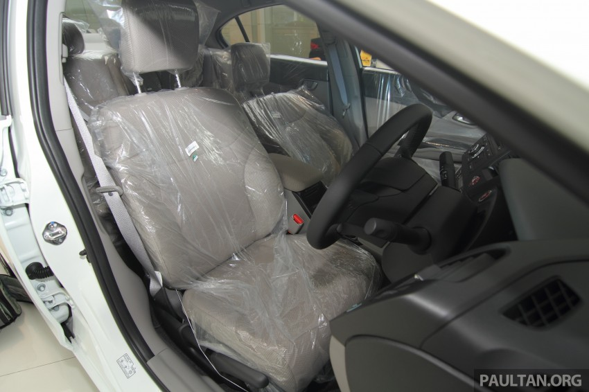 GALLERY: 2014 Honda Civic 1.8S facelift in showroom Image #288316