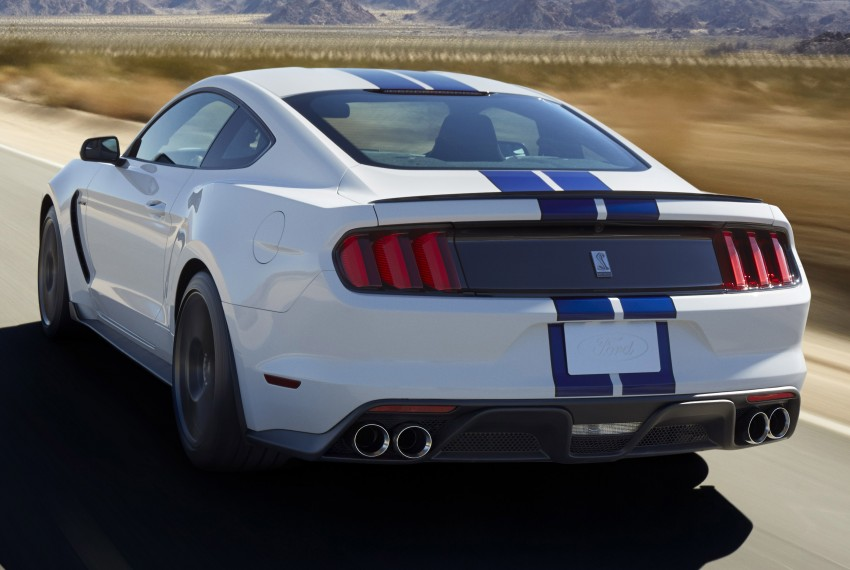 2016 Ford Mustang Shelby GT350 – flat-plane V8 pony Image #289001