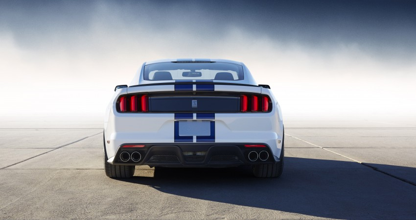 2016 Ford Mustang Shelby GT350 – flat-plane V8 pony Image #289014