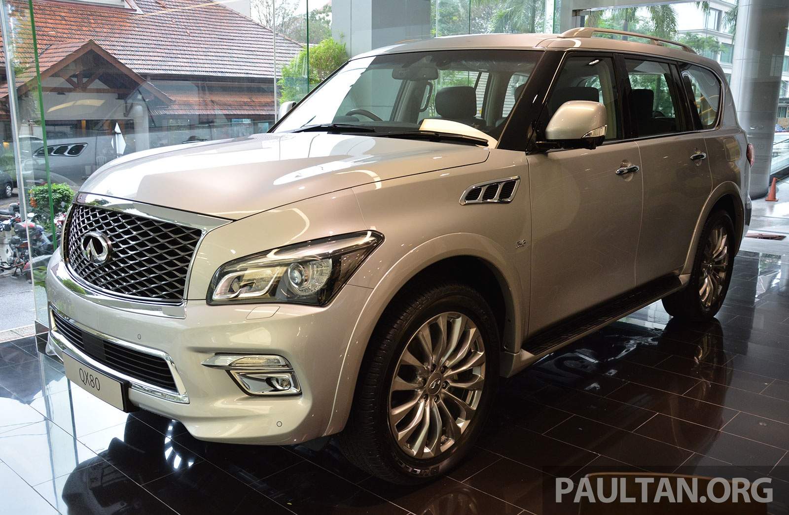 infiniti qx80 now in malaysia 5 6 v8 suv on sale 2015 image 291607. Black Bedroom Furniture Sets. Home Design Ideas