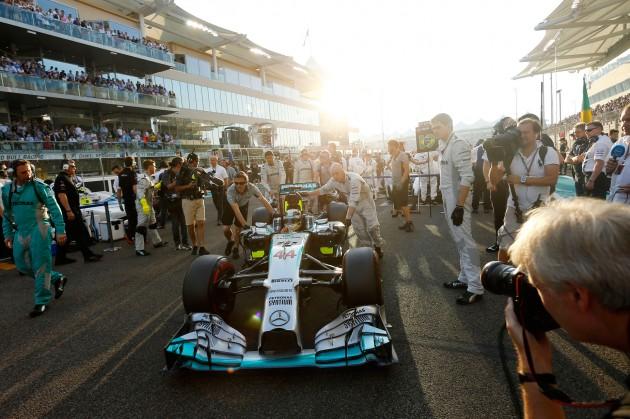 Lewis_Hamilton_F1_2014_Champion_02