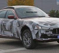 Maserati SUV mule 1 copy