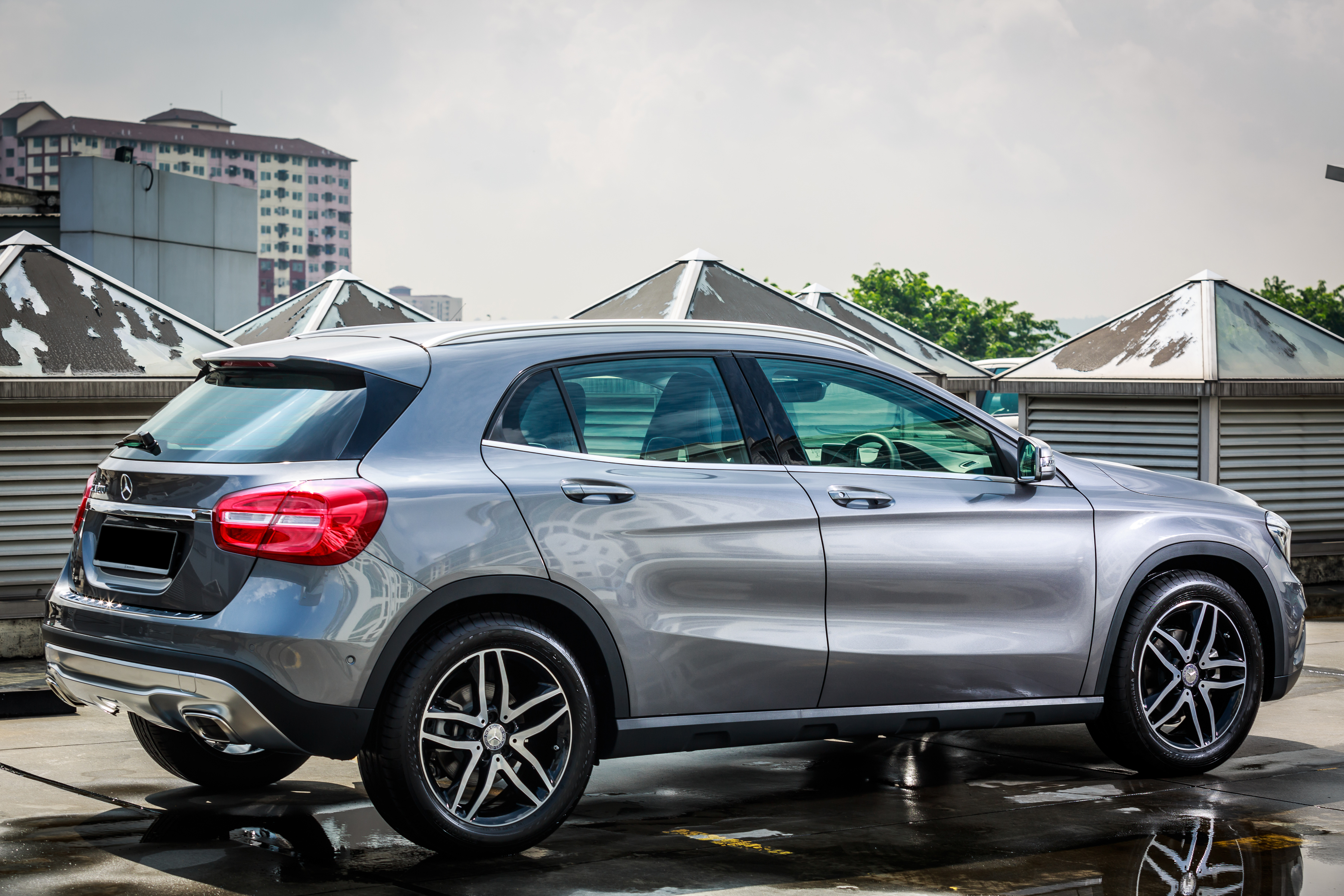 mercedes benz gla class suv launched in malaysia gla 200 gla 250 and gla 45 amg from rm239k. Black Bedroom Furniture Sets. Home Design Ideas