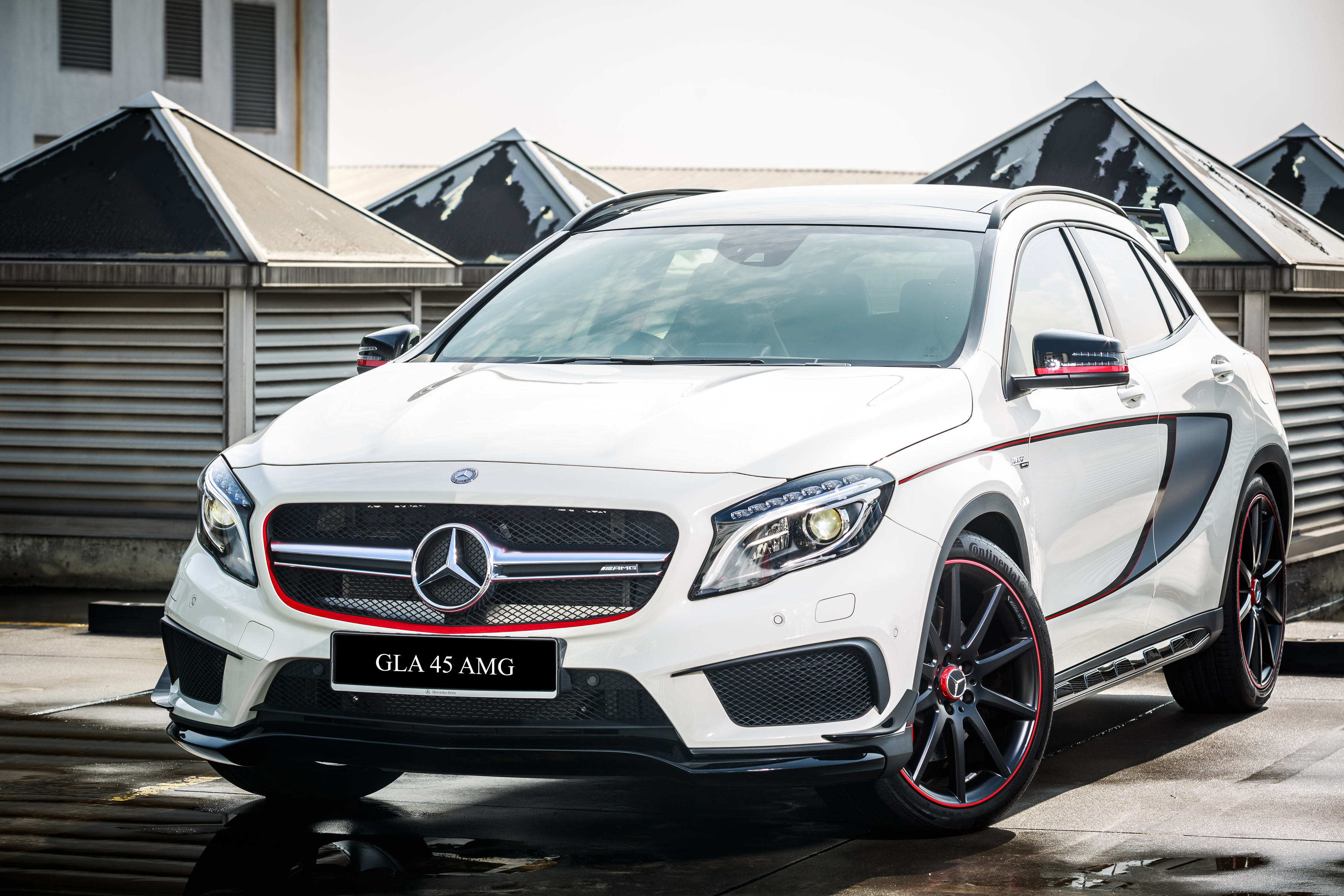 mercedes benz cla 45 amg and gla 45 amg to gain a 45 facelift 39 s revised 381 hp and 475 nm output. Black Bedroom Furniture Sets. Home Design Ideas
