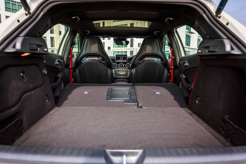 Mercedes benz gla class suv launched in malaysia gla 200 for Mercedes benz gla class interior
