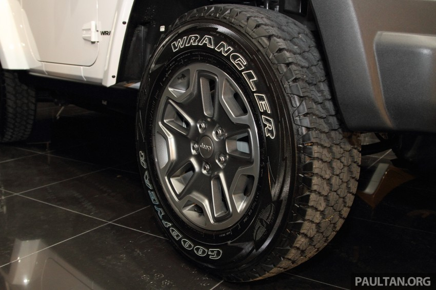 Jeep Wrangler launched in Malaysia: Unlimited Sport RM289k, Unlimited Sahara RM329k, Rubicon RM339k Image #292327