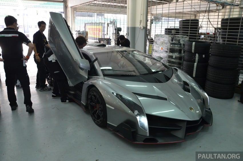 Lamborghini Veneno makes an appearance at Sepang Image #291543