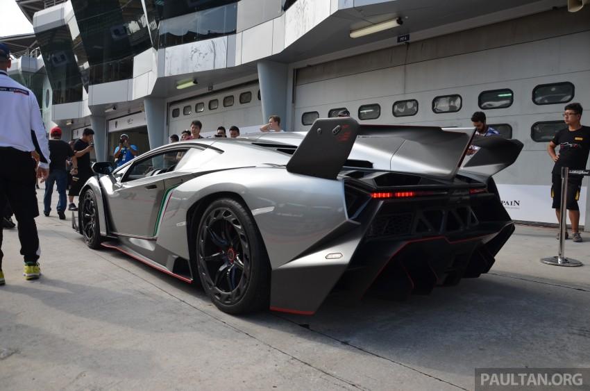 Lamborghini Veneno makes an appearance at Sepang Image #291546