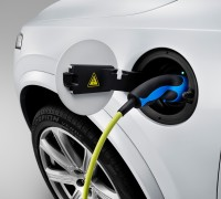 150060_The_all_new_Volvo_XC90_Charging