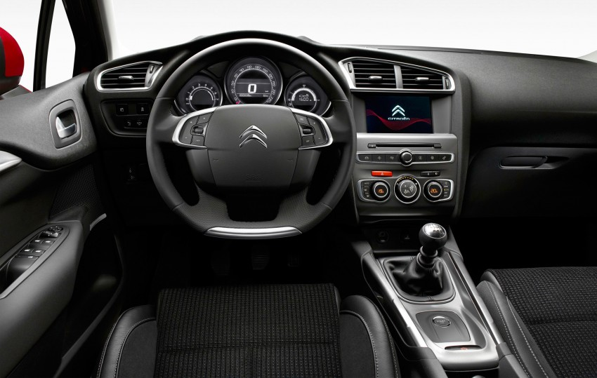 Citroen C4 updated with minor changes, new engines Image #295781