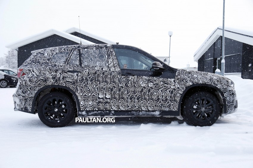 New BMW X1 – F48's front end spotted undisguised! Image #304962