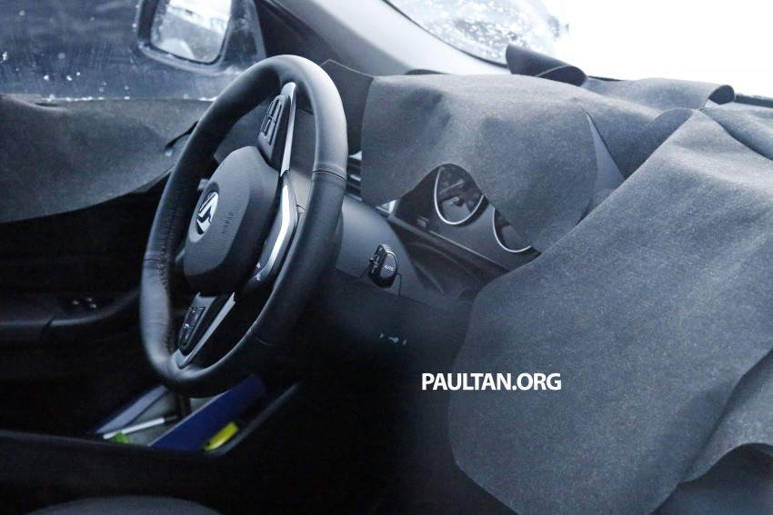 New BMW X1 – F48's front end spotted undisguised! Image #304960