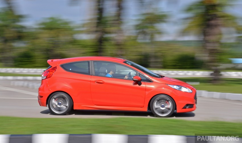 Ford Fiesta ST vs Peugeot 208 GTi vs Renault Clio RS – which one is the best hot hatch on sale in Malaysia? Image #297889