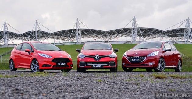 Ford_Fiesta_ST_vs_Peugeot_208_GTI_vs_Renault_Clio_RS_ 002