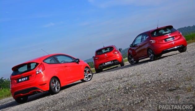 Ford_Fiesta_ST_vs_Peugeot_208_GTI_vs_Renault_Clio_RS_ 007