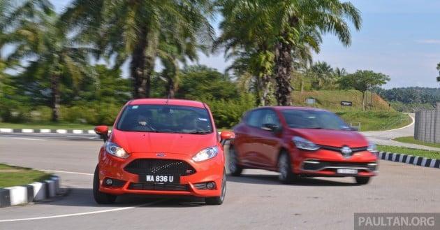Ford_Fiesta_ST_vs_Peugeot_208_GTI_vs_Renault_Clio_RS_ 015