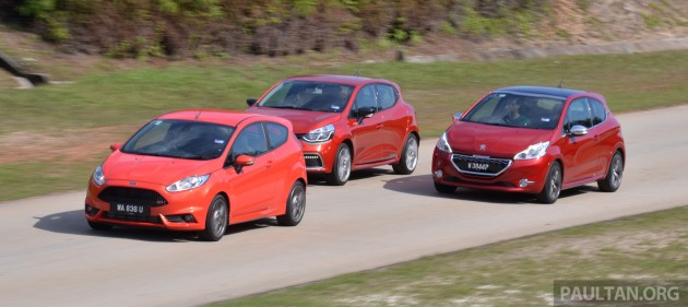 Ford_Fiesta_ST_vs_Peugeot_208_GTI_vs_Renault_Clio_RS_ 019