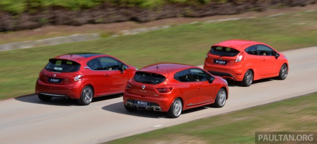 Ford_Fiesta_ST_vs_Peugeot_208_GTI_vs_Renault_Clio_RS_ 025