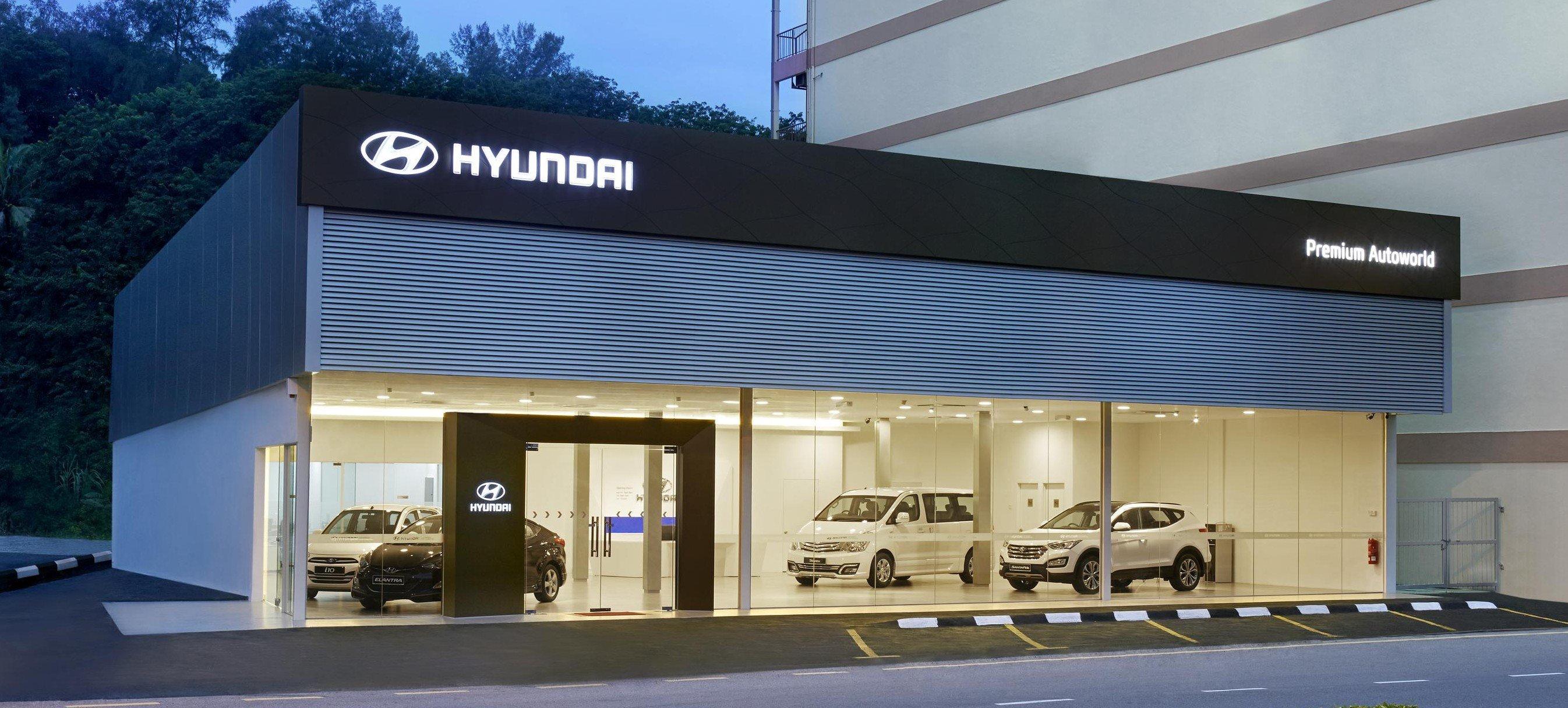 Hyundai malaysia sports revamped global dealership design for Modern showroom exterior design