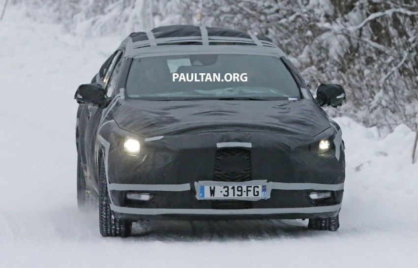 SPYSHOTS: Infiniti Q30 goes winter testing in France Image #299106