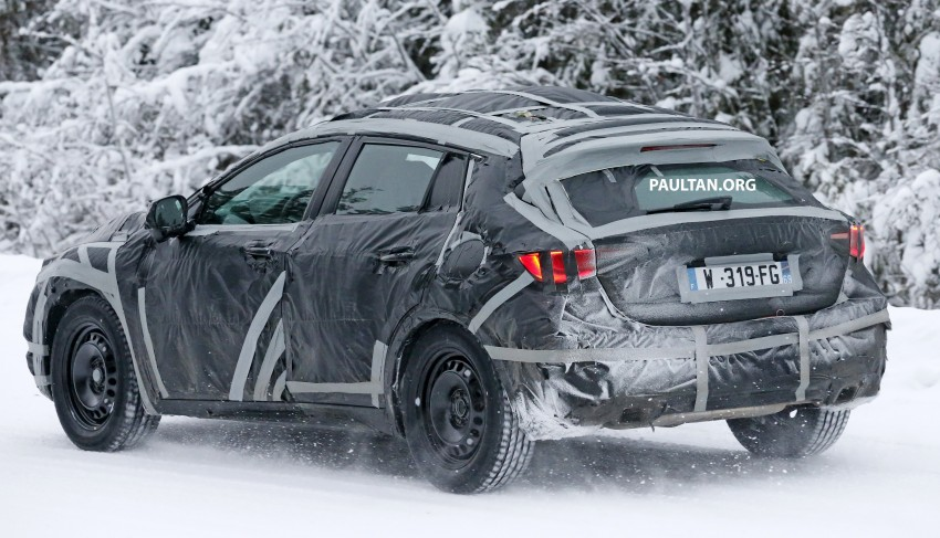 SPYSHOTS: Infiniti Q30 goes winter testing in France Image #299113