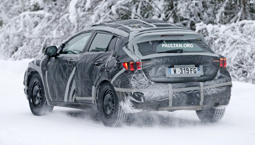 SPYSHOTS: Infiniti Q30 goes winter testing in France Image #299114