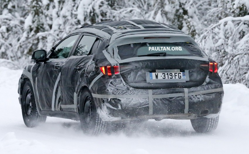 SPYSHOTS: Infiniti Q30 goes winter testing in France Image #299115