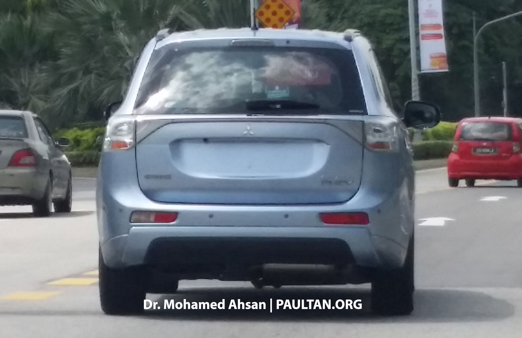 mitsubishi outlander phev continues tests in malaysia. Black Bedroom Furniture Sets. Home Design Ideas