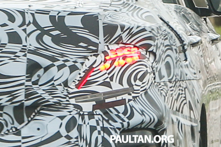 SPYSHOTS: Next-generation W213 Mercedes-Benz E-Class – a baby S-Class on the inside? Image #293310