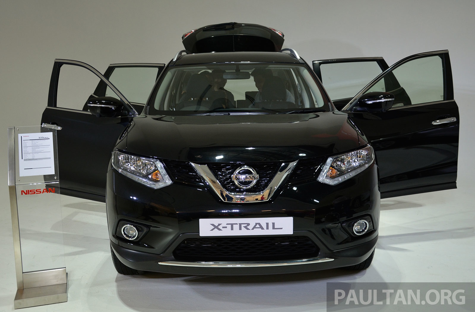 new nissan x trail open for booking in malaysia 2 0 2wd. Black Bedroom Furniture Sets. Home Design Ideas
