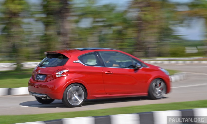 Ford Fiesta ST vs Peugeot 208 GTi vs Renault Clio RS – which one is the best hot hatch on sale in Malaysia? Image #297934